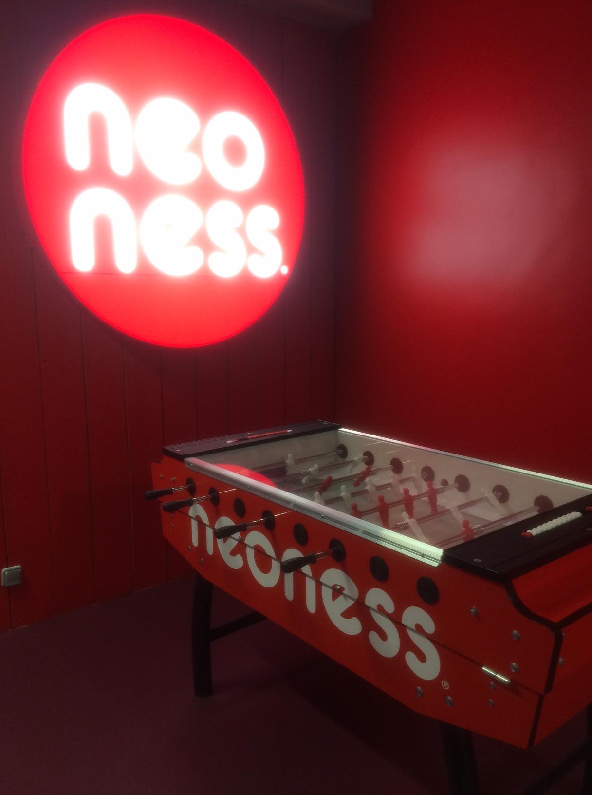 salle jeux neoness.JPG